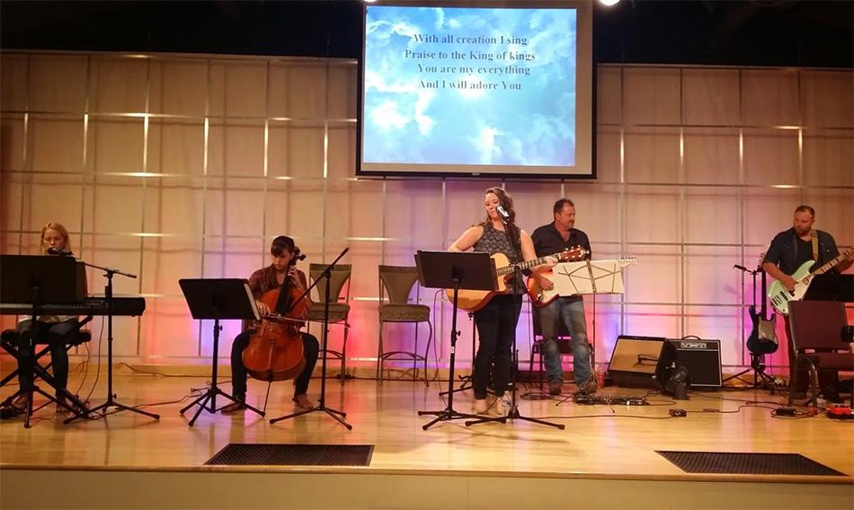 Chapel Worship Team provides worship service online